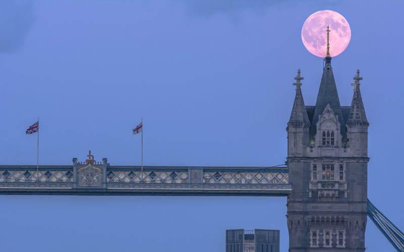Supermoon Tower Bridge