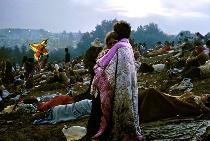 46 Years Ago Today, 500,000 People Descended On A Farm For The Greatest Music Festival Of All Time Woodstock-photographs