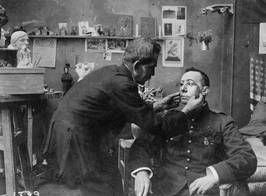 World War One Veteran Fitted For Face Mask