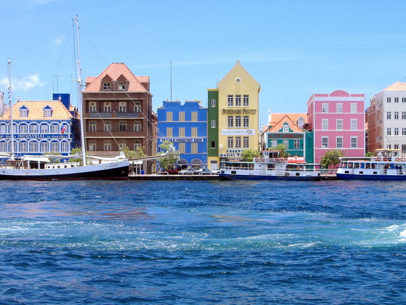 5 Amazing Countries Curacao