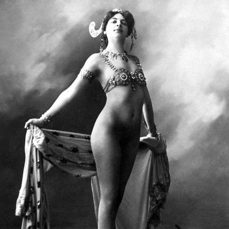 Famous Corpses Mata Hari