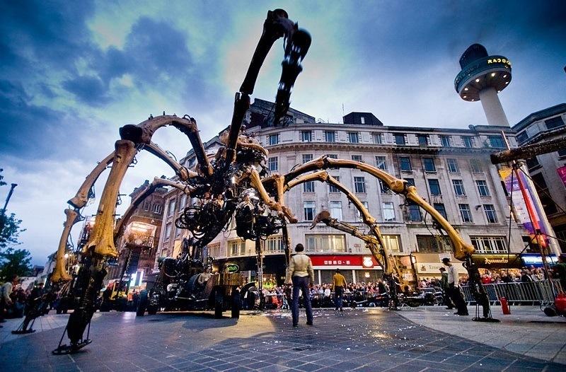 Giant Spider Machine