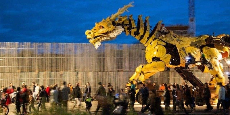 Mechanical Dragon in France
