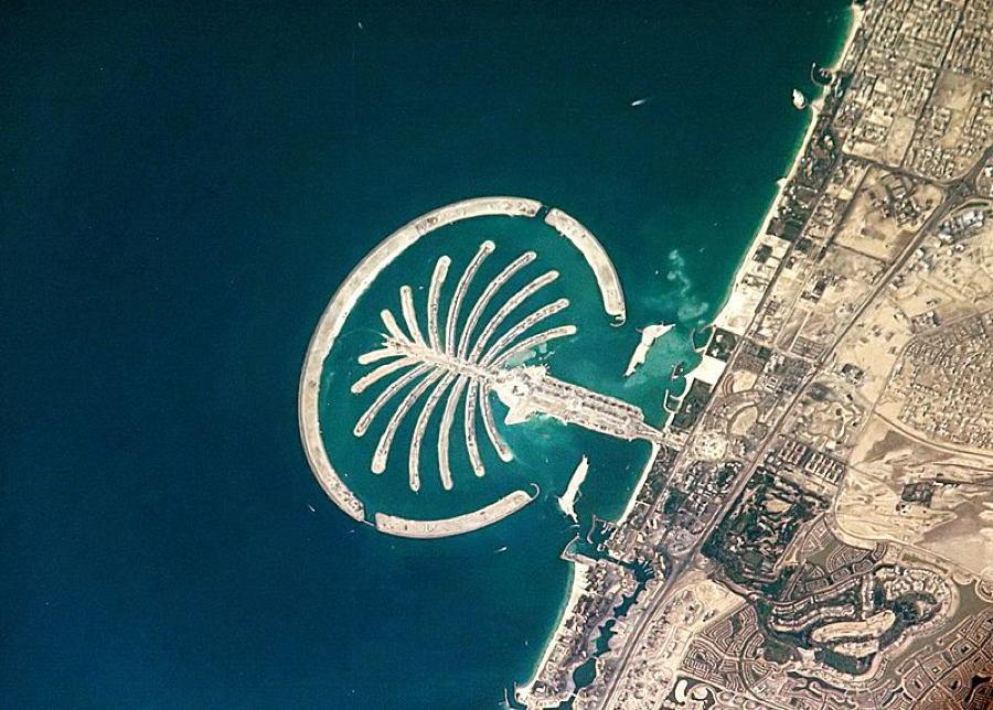 Satellite Images Dubai Palm