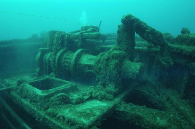 Sunken Ships Anne Board