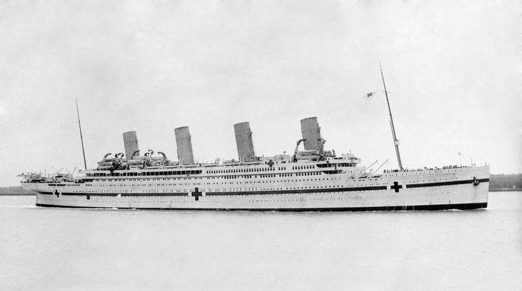 5 Astonishing Sunken Ships From Around The World