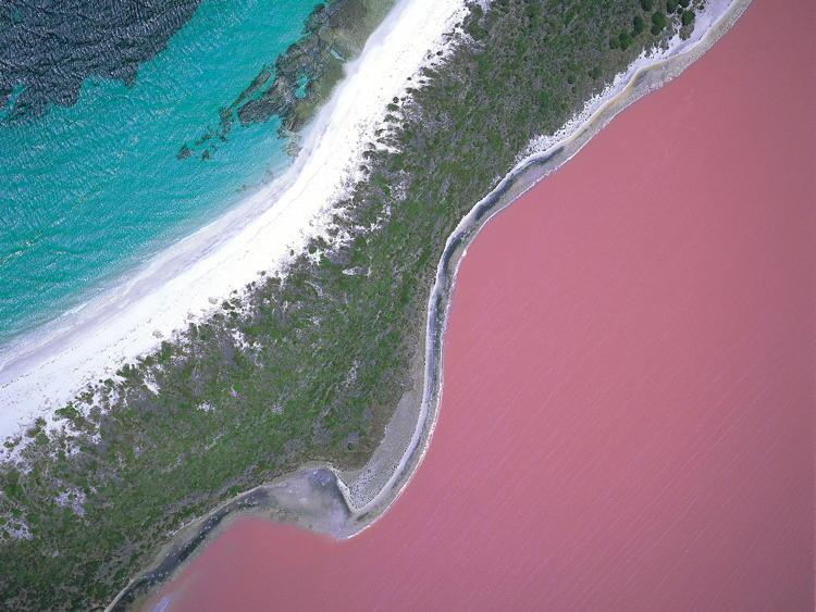 Weirdest Natural Places Lake Hillier