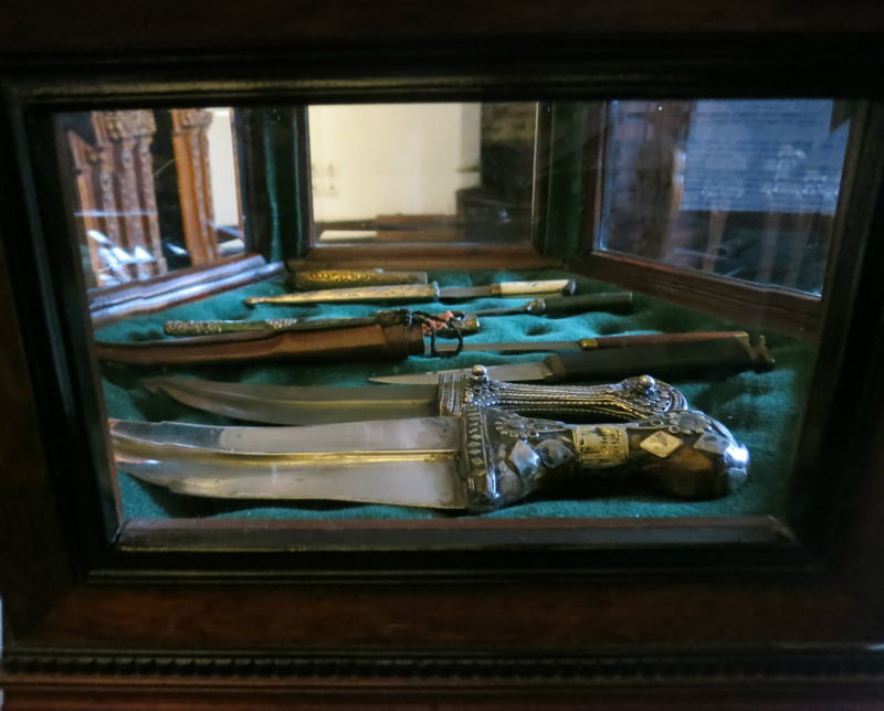 Dracula Castle Daggers
