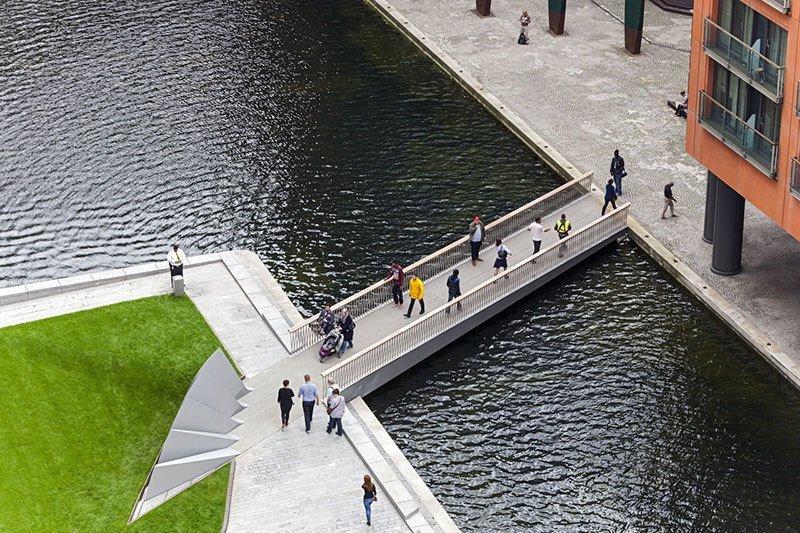 Merchant Square Moving Footbridge