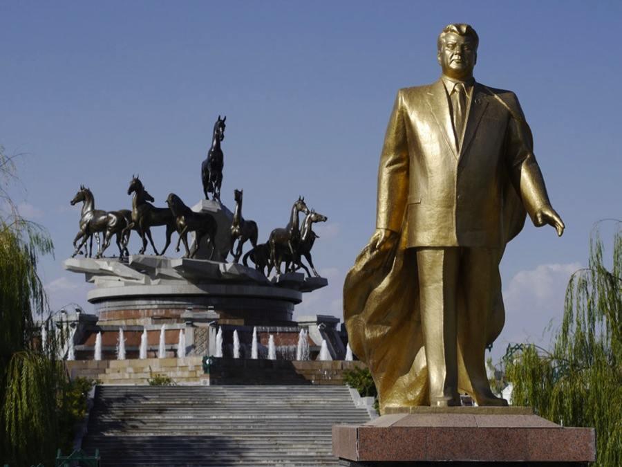 Turkmenistan Niyazov Cult
