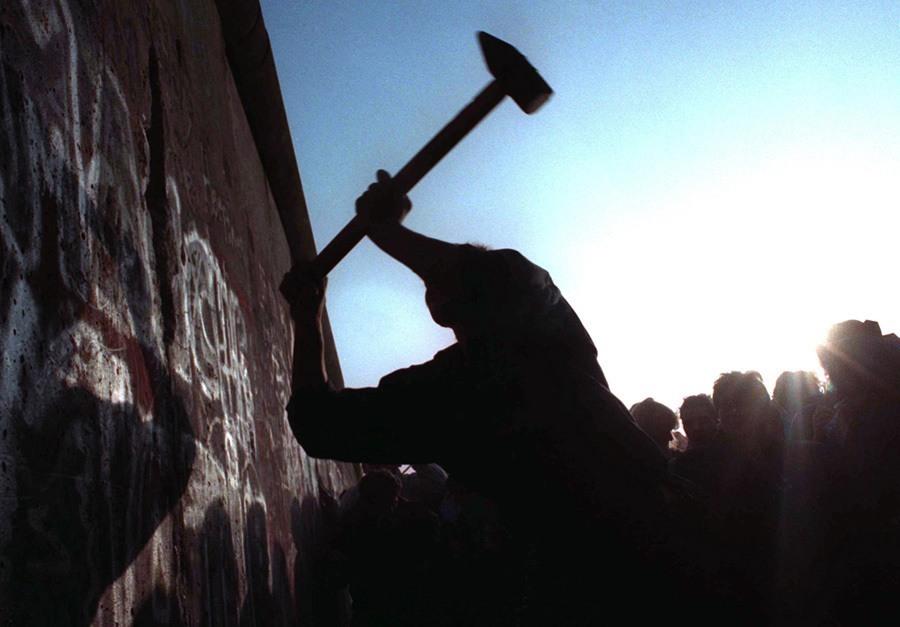 Berlin Wall Axe Up