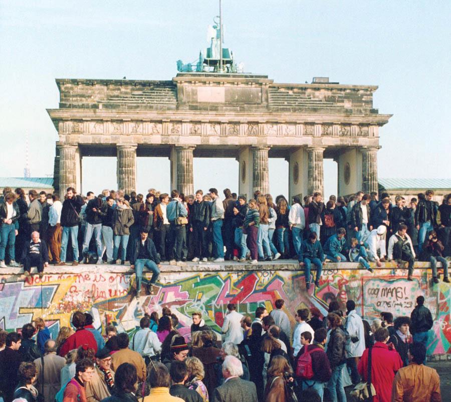 Berlin Wall Crowd