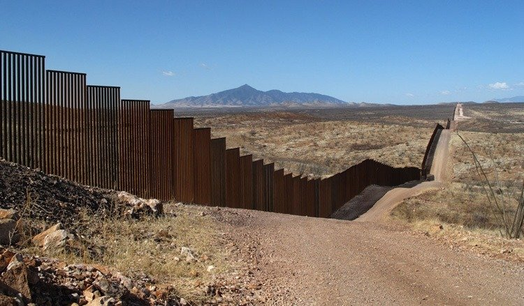 US-Mexico Border Endless Wall