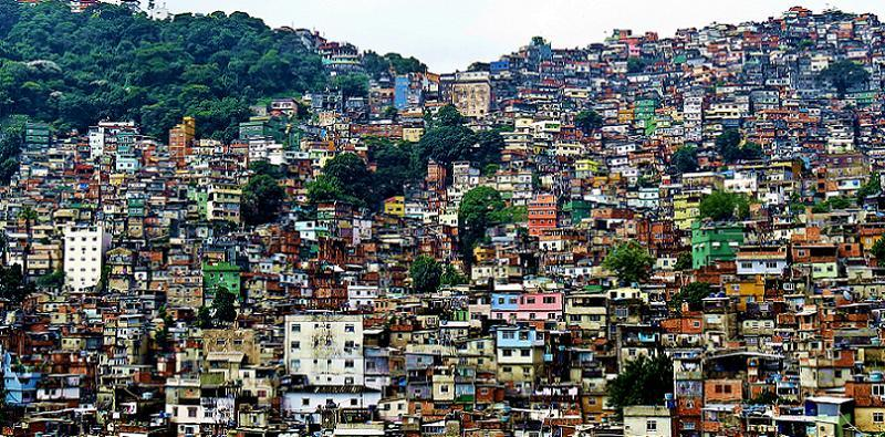 Favelas Long