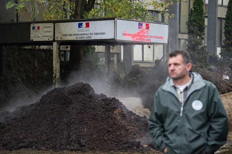 French Farmer Protests Manure