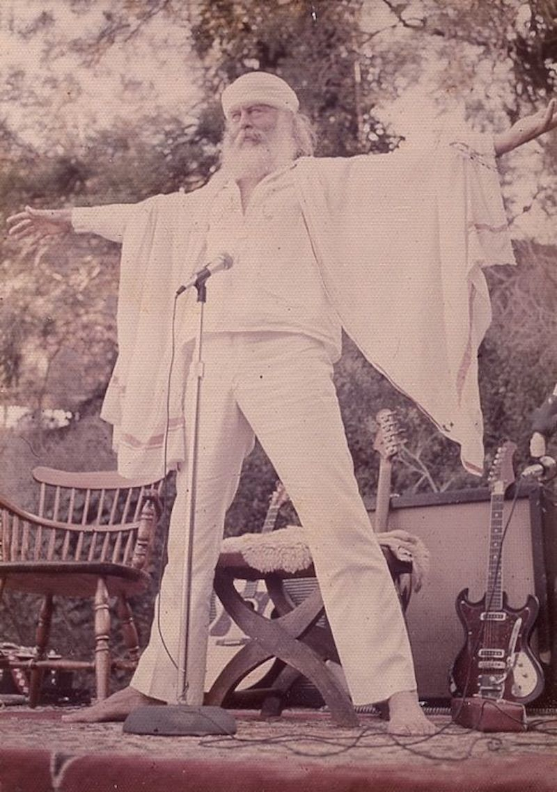 hippie commune source family father yod