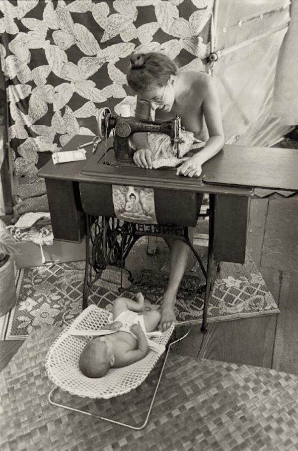 Life At Hippie Communes