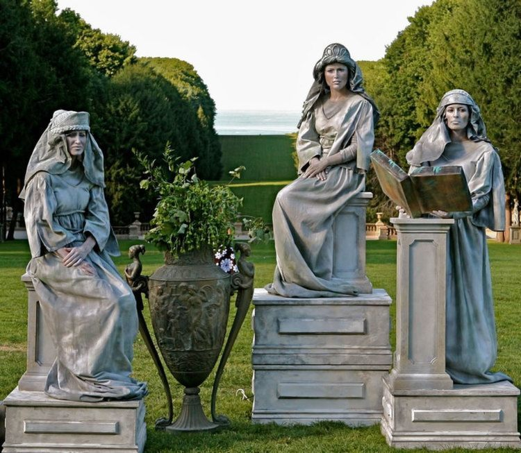 Living Statues Muses