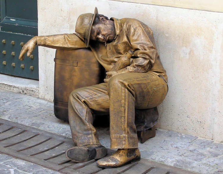 Living Statues Sleep