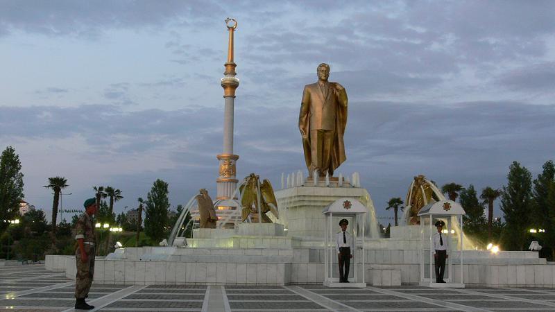 Turkmenistan Second Statue Niyazov