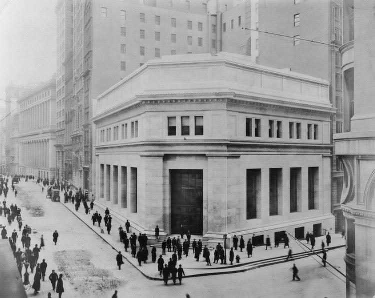 Wall Street Corner
