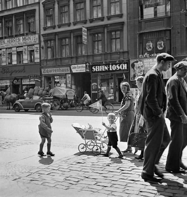 Jewish Life Stroller Street
