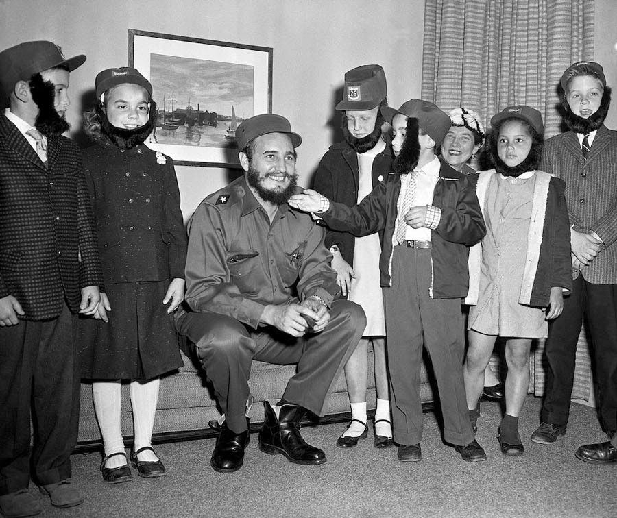 Kids Play With Fidel Castro's Beard