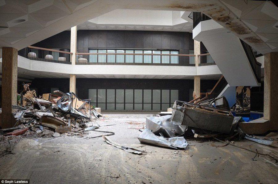 Abandoned Malls Photos