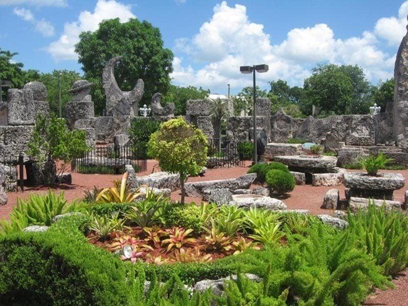 American Kitsch Coral Castle Garden