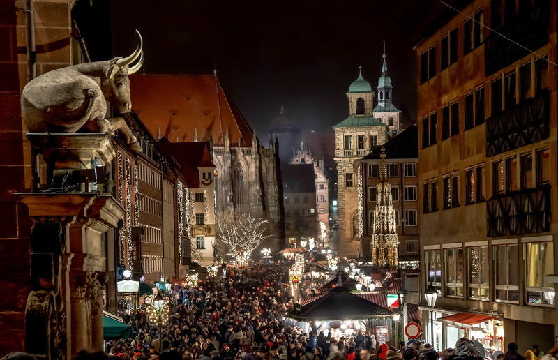 Christmas In Nuremberg Street
