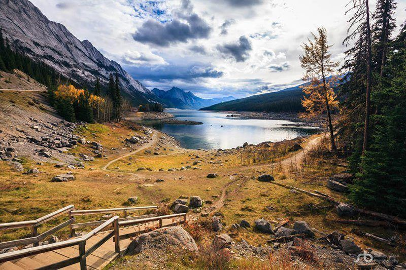 Medicine Lake Trail