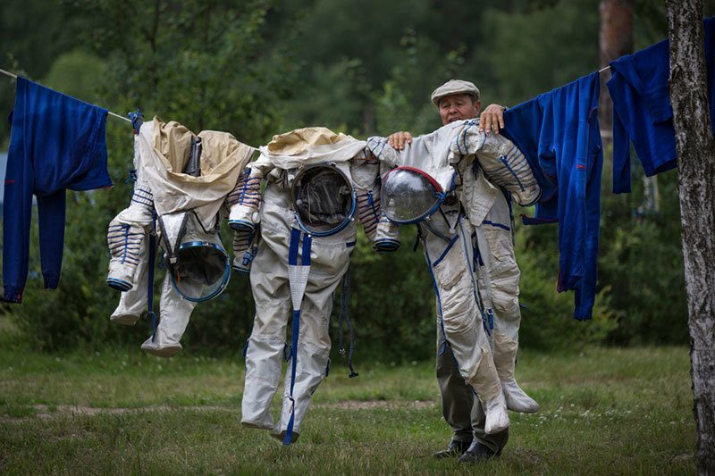 Surprising Photos of 2014 Space Station Laundry