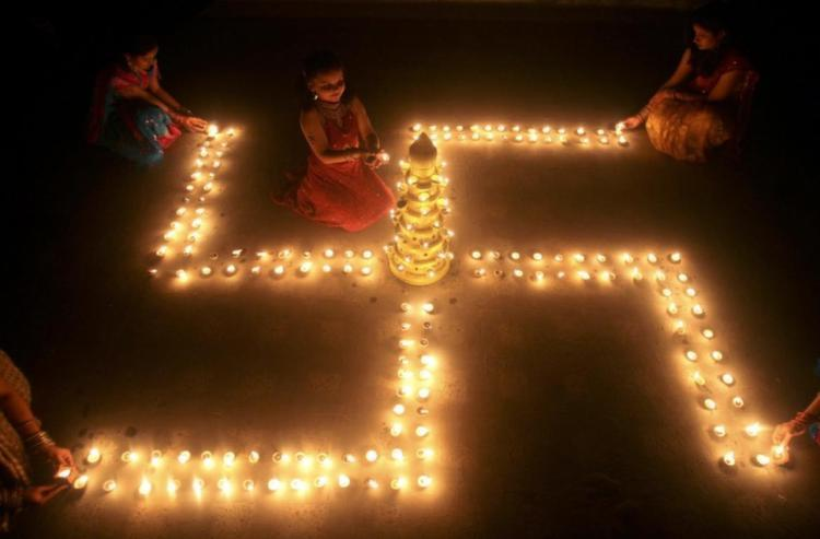 Swastikas Hindu