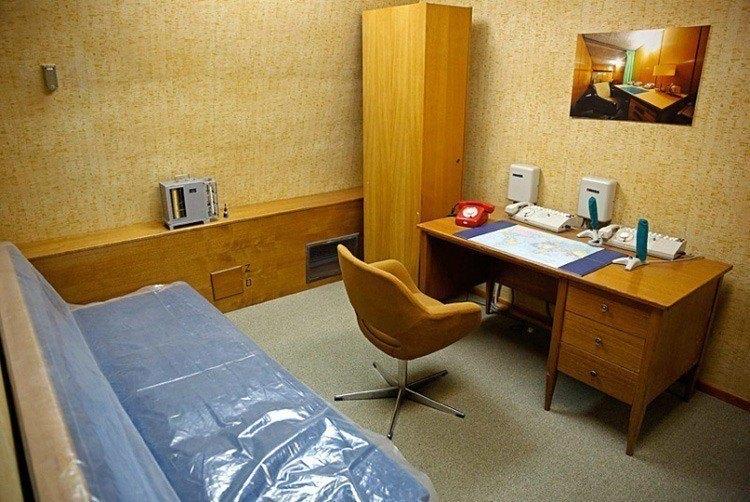 1950s Bunker Secretary Office
