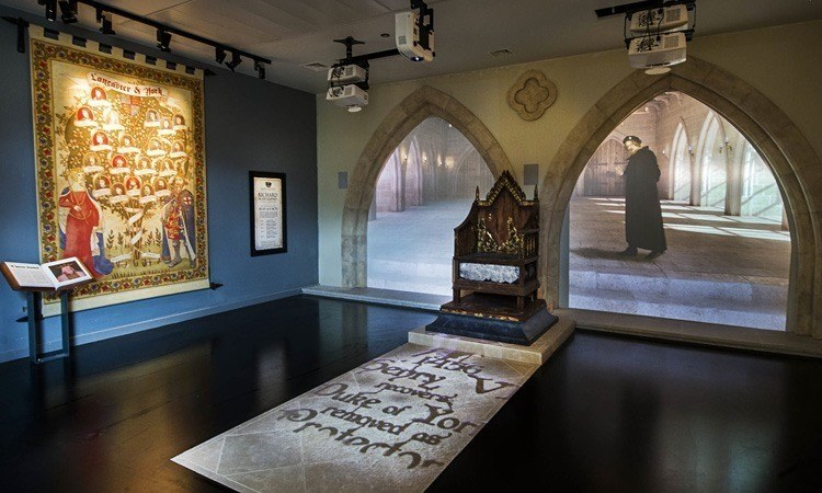 2015 attractions richard III visitor centre leicester