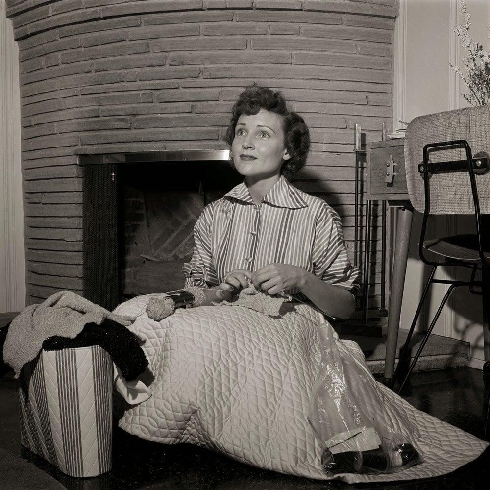 Betty White knitting