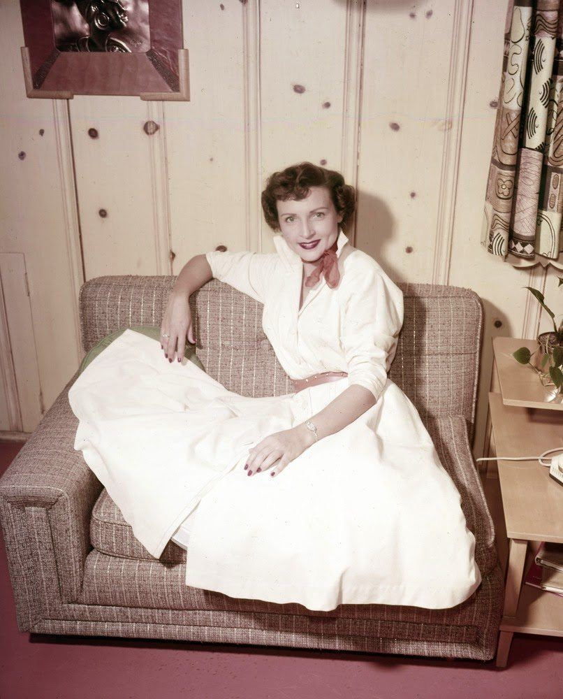 Young Betty White Pictures
