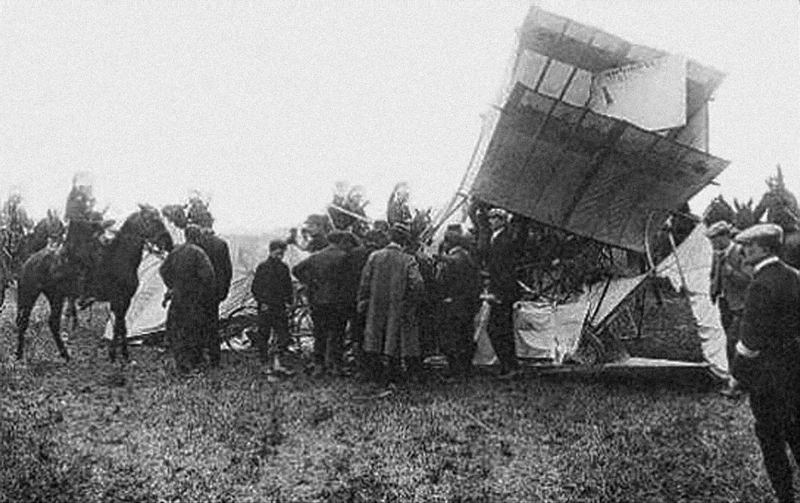 Female Aviators Laroche Crash