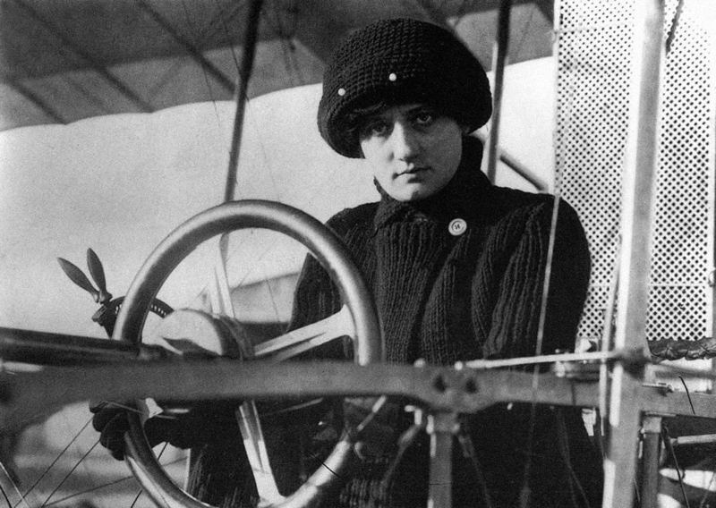 Female Aviators Laroche Plane