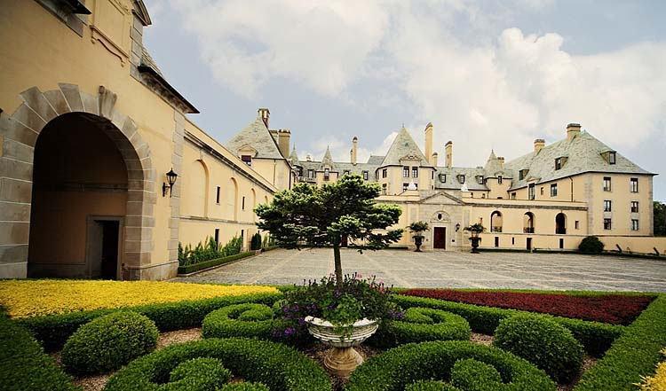 New York Castles Oheka Gardens