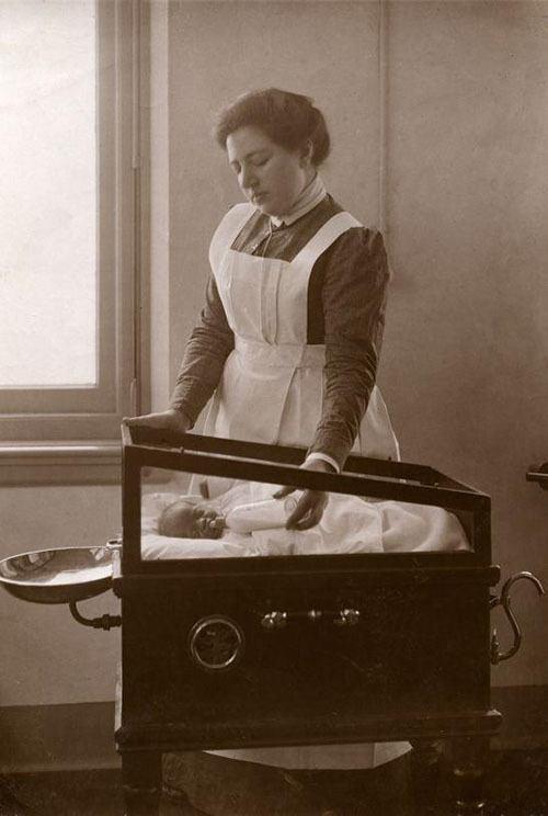 Midwife History Crib