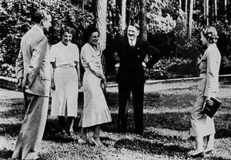 Famous Photoshopped Photos Hitler