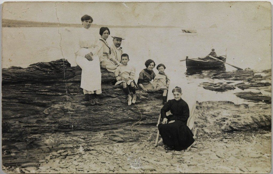 Salvador Dali's Family As A Kid