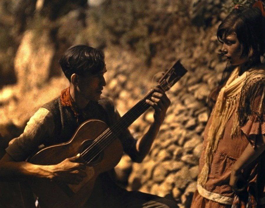 Vintage Spain Guitar Player