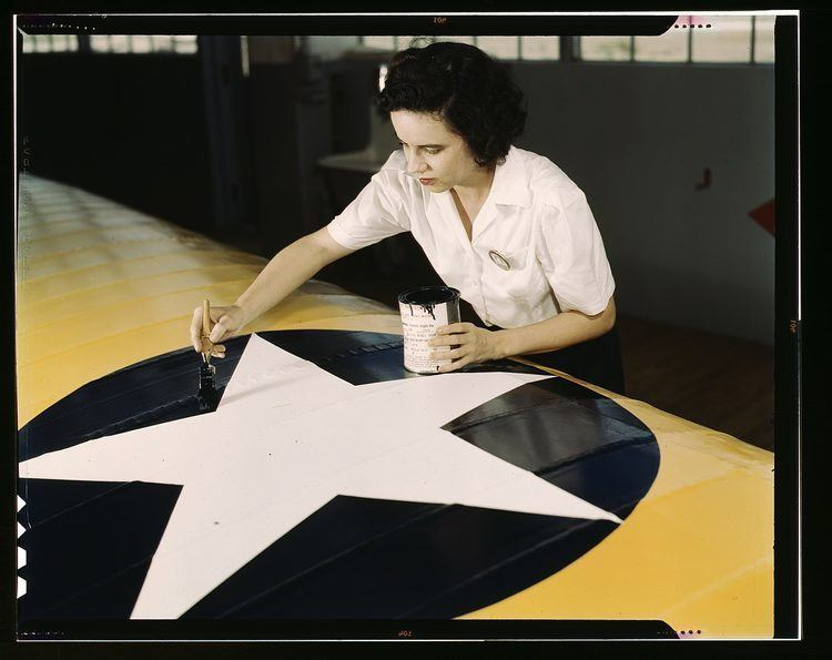 women of WWII navy plane painter