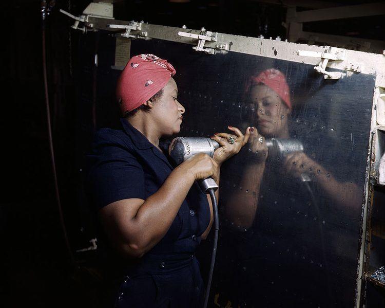 Women of WWII riveter bandana
