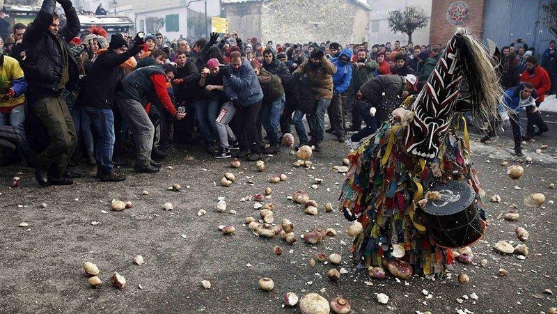 Turnip Throwing in Spain