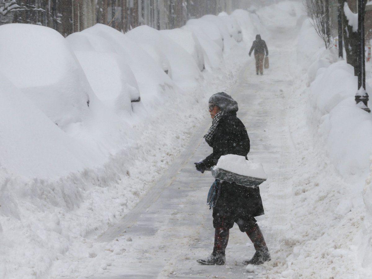 Northeast snow shovel