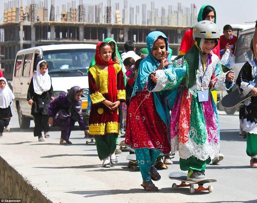 afghanistan skateboard school friendly push afghanistan