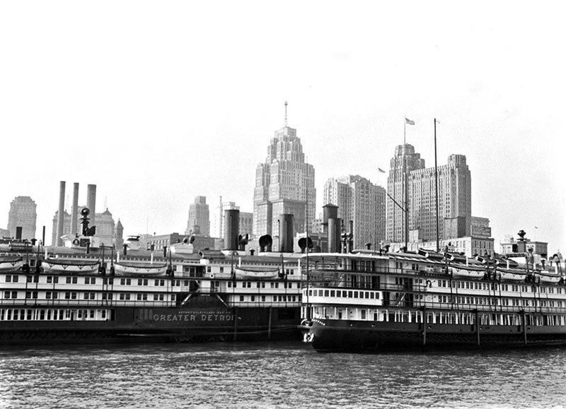Steamboats in Detroit
